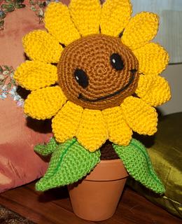 Sunflowers Amigurumi Crochet Pattern Plant : Ravelry: Plants vs. Zombies Sunflower pattern by Julianne ...