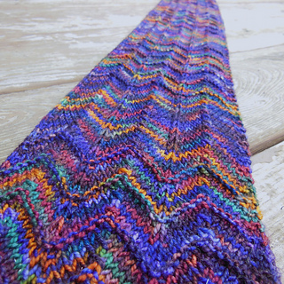 Zig Zag Scarf Knitting Pattern : Ravelry: Zig zag scarf (3 ways) pattern by Stitchnerd Designs