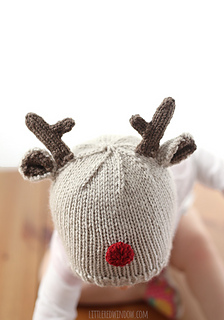Tiny_reindeer_baby_hat_knitting_pattern_03b_littleredwindow_small2