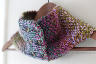 Buttoned_up_cowl_scarf_knitting_pattern_05_littleredwindow_small2