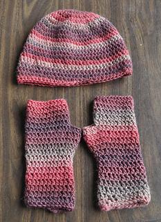 Minimo-crochetfingerless-hat_small2