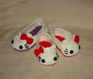 Hello Kitty Knitting Pattern Socks : Ravelry: Hello Kitty Slippers Sizes for Child-Preteen pattern by Cathy Ren