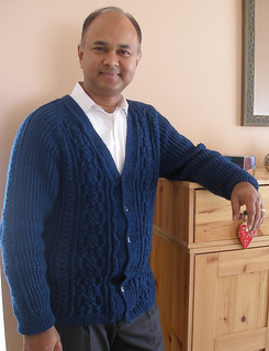 Ravi_sweater_front_small2