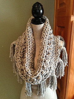 Gray_3-strand_cowl_2_small2
