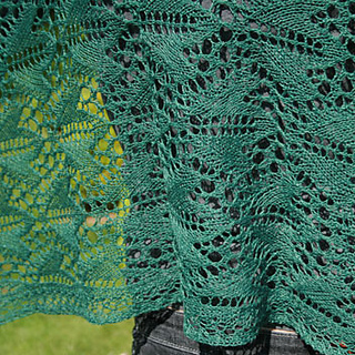 Ravelry: Ivy pattern by Chrissy Gardiner