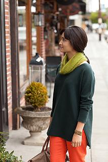 Crocheted-moebius-cowl1_small2