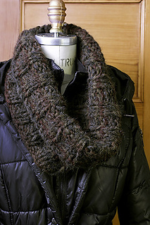Last-minute-cowl-pattern_gallery03_large_small2