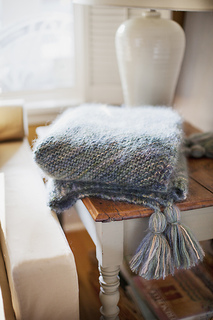 Picot_edge_mohair-throw4_small2
