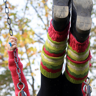 Cp_legwarmers_legs_up_small2