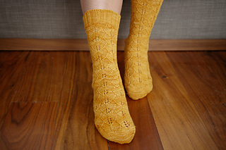 Gingko_socks_pattern_1_small2