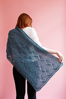 Zigzag_path_shawl_0_small2