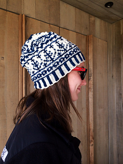 Blue_white_tree_hat_small2