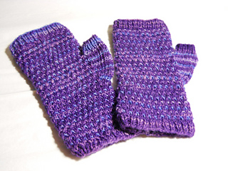 Fleck_mitts_finished_small2