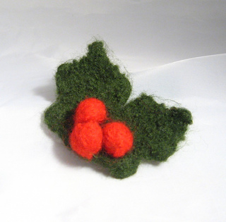Ravelry: Felt Holly and Berries pattern by Claire Fairall Designs