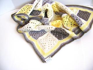Grey_yellow_1_small2