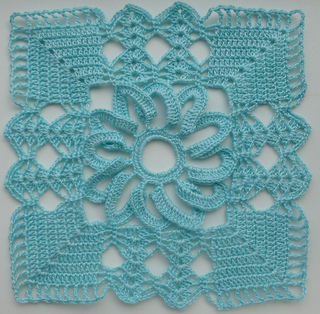 Free Crochet Patterns For Small Motifs : Ravelry: Lacy square motif (1) pattern by Crochet- atelier