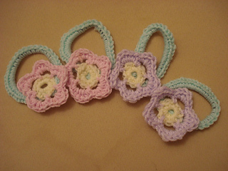 Flower_scrunchies_small2
