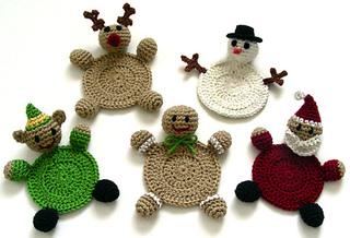 Crochet_christmas_character_coasters_small2