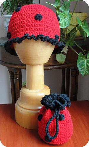 Ladybug_hat_and_purse_resized_for_etsy_medium