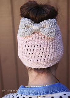 Messy-bun-hat-crochet-beanie-pattern_small2