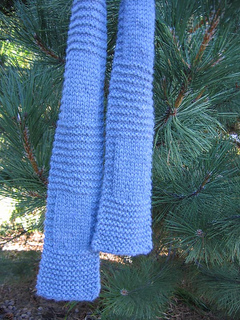 Garter_and_stockinette_scarf_begin_to_knit_small2