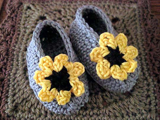 Cheery_cotton_baby_shoes_pair_3_fix_small2