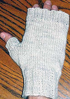Mens_fingerless_mitts_orig_cream_fix_small2