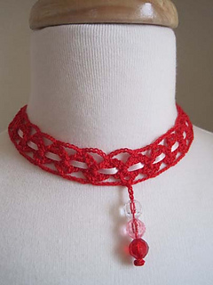 Crocheted_neck_jewelry_red_2_small2