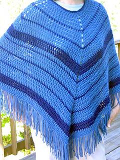 Easy_crochet_poncho_on_k_outside_1_fix_small2