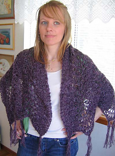 Violet_cloud_shawl_on_c_3_small2