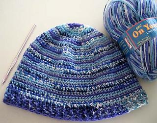 Sock_yarn_hat_blu_1_small2