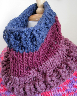 Tricolor_twig_cowl_2015_pad_3_small2