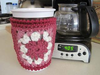 Granny_s_cup_cozy_3_small2