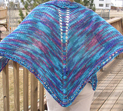 Easy_knit_shawl_outside_on_c_untouched_best_small