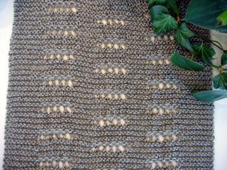 I_just_want_to_knit_shawl_closeup_small2