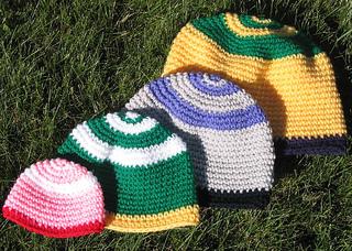 Festive_occasion_hats_crochet_on_grass_small2