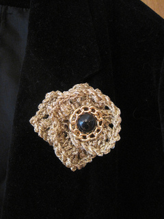 Elegant_eyelet_ruffle_pin_no_smoking_hi_res_small2