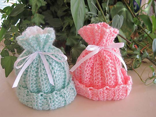 Rib_look_baby_hats_2_green_pink_1_small2