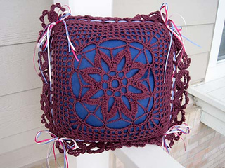 Flowered_filet_pillow_cover_new_outside_small2