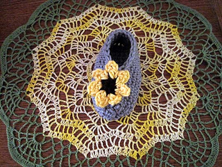 Cheery_cotton_baby_shoes_on_doily_2_small2