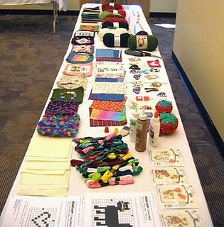 Craft_table_lengthwise_small2