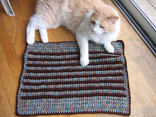 Cushy_pet_pad_stripe_andrew_window_small2
