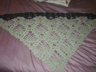Green_pineapple_shawl_small2