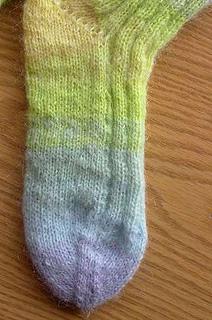 Kidm-socks3-det_small2