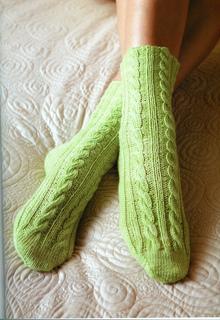 Ee166_cable_rib_socks_image_small2
