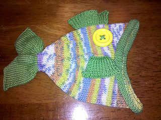 Green_minnow_hat_side_small2