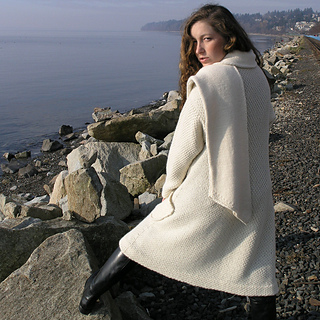 1000_bc_scarf_coat_back_small2