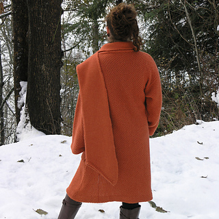 1000_uros_coat_back_small2