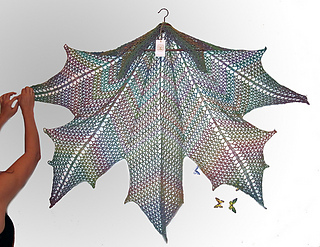 Large Leaf Knitting Pattern : Ravelry: Maple Leaf Crochet Shawl pattern by Natalia @ Elfmoda