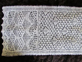 Jamieson_and_smith_shetland_lace_lc_iianderlea_closeweb_small2